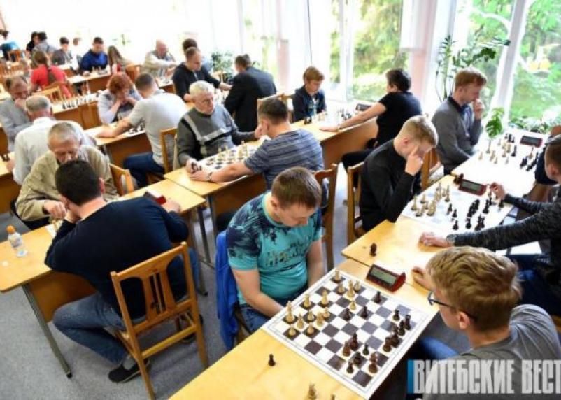 Смоляне приняли участие в шахматном темпо-турнире в Беларуси