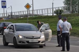 Смоленских водителей заставили снять тонировку