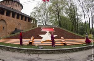 16 тысяч цветов. Смоленск украшают ко Дню Победы