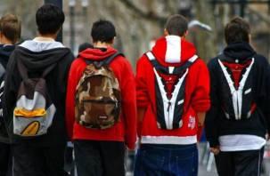 В России школьников избавят от тяжелых портфелей и очередей в раздевалках