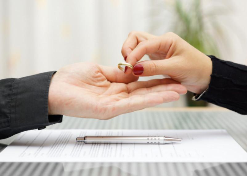 В Смоленской области снизилось число разводов