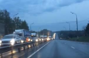 Пора на работу: гигантская пробка на трассе М1 попала на видео