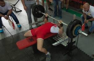 Смоленские спортсмены хорошо выступили на соревнованиях по пауэрлифтингу