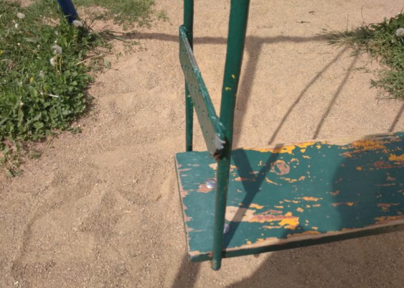 Ребенок травмировался на детской площадке на Киселёвке