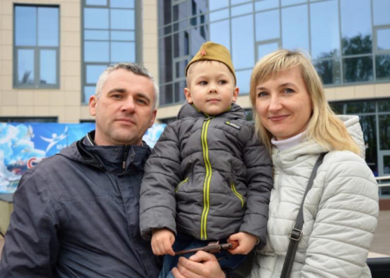 Найди себя. Репортаж с праздничных мероприятий в День Победы в Смоленске