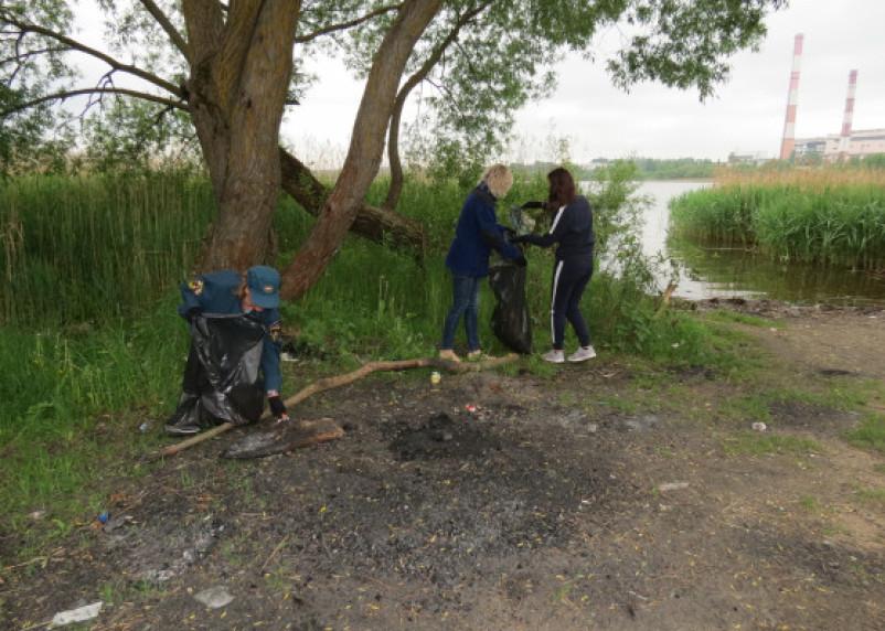 Озеро ТЭЦ-2 в Смоленске очистили от мусора