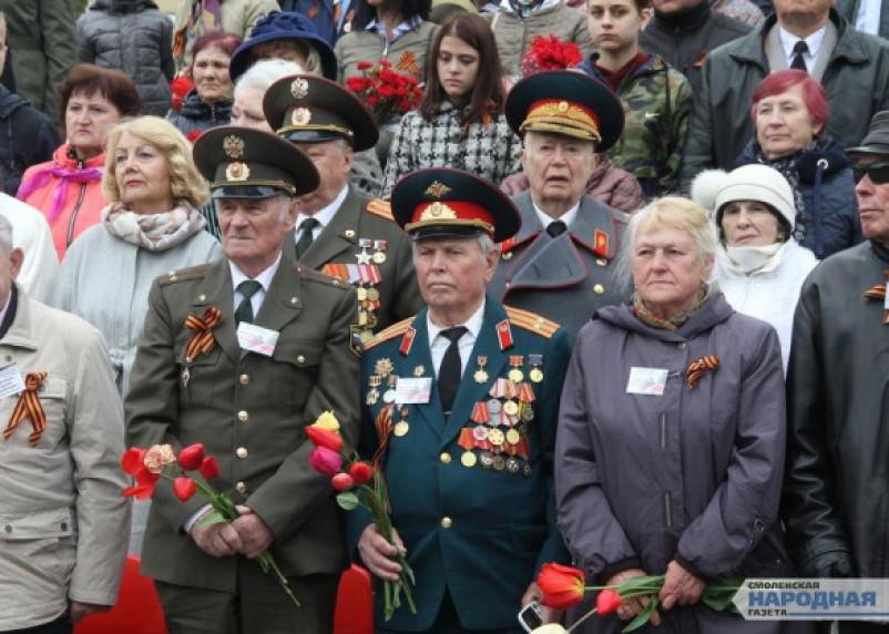 Российским военным запретят носить «иконостасы» с медалями