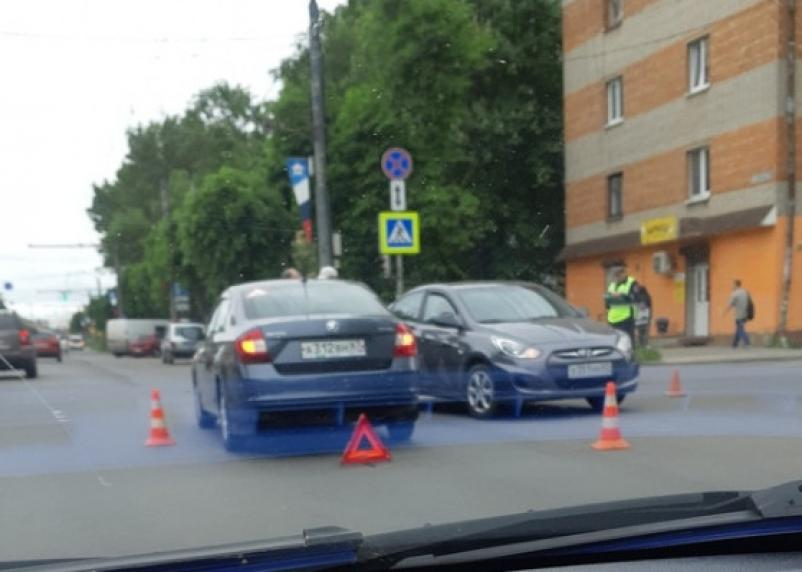 В Смоленске на Кирова в ДТП пострадали три человека, в том числе младенец