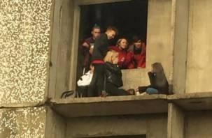 Рославльчане жалуются на подростков, которые облюбовали недострой