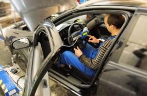 Автопроизводство в России начали приостанавливать