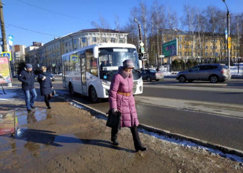 Прокуроры требуют занизить бордюры в Смоленске