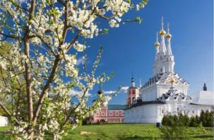 ЦБ РФ выпускает две памятные монеты. 10 рублей посвящены Вязьме