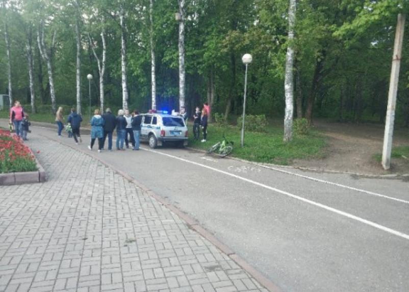 В Реадовском парке ДПС оформляет ДТП с велосипедистами