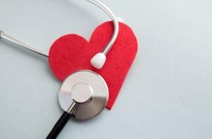 Названы 4 внешних признака, сигнализирующих о проблемах с сердцем