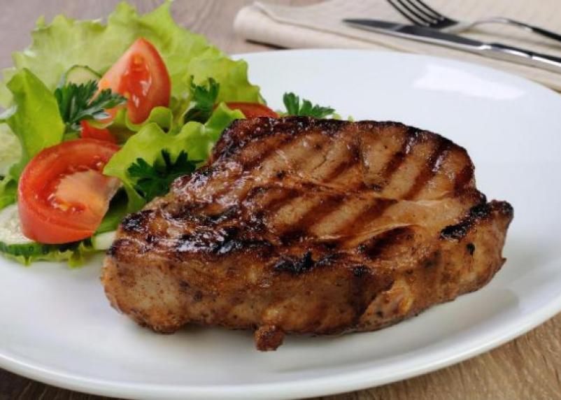 Опасное мясо. Росконтроль рассказал, какие свиные стейки попали в черный список