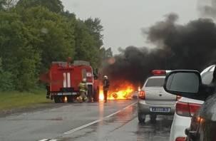 Огненное ДТП под Брянском. В Сети появились фото и видео аварии, в которой сгорели заживо три человека, один вылетел в окно