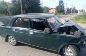 В Хиславичах не поделили перекрёсток два автомобиля. Два человека в больнице