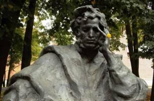 Смолянам пообещали восстановить фонтан у памятника Пушкина
