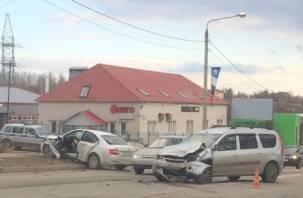 Смоленская полиция ищет очевидцев жесткого ДТП на проспекте Гагарина