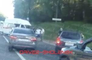 На месте – скорая. На улице Кутузова произошло ДТП с мотоциклистом