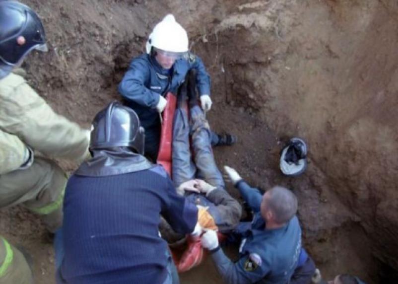 Молодой рабочий умер в траншее. Смоленского предпринимателя оштрафовали на 30 тыс. рублей