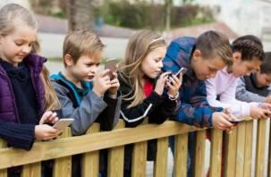 Роскачество назвало самые безопасные приложения для обучения детей чтению