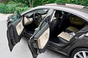 Выпуск легковых авто в России в апреле упал на 79%
