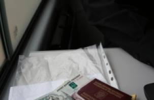 Со счета смолянина списали 300 тысяч рублей за моральный вред