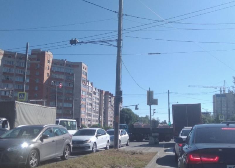 Светофоры не работают. Заторы по городу раздражают смоленских атомобилистов