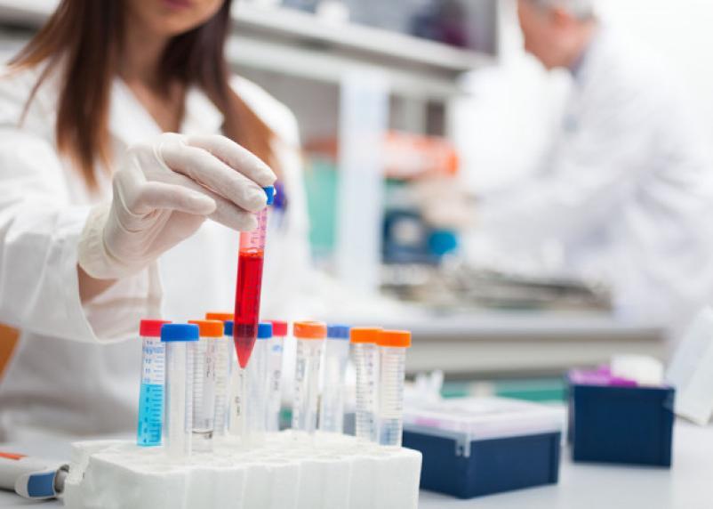 Врачи из Китая перечислили первые симптомы нового коронавируса