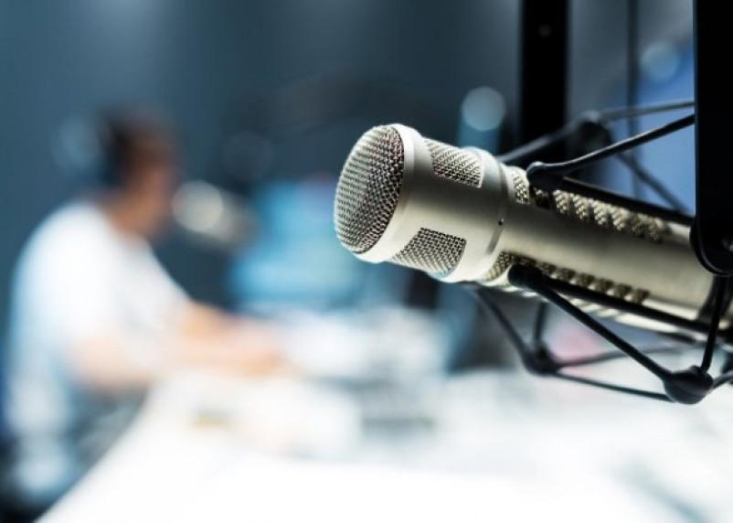 С россиян берут плату за бесплатные радиостанции