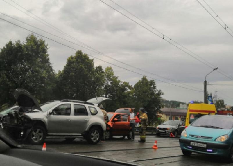 Подробности массовой аварии в Смоленске. Госпитализированы два человека