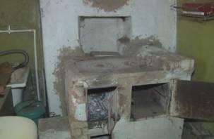 Бросили «загибаться в лачугах». Сафоновская администрация оставила жителей 36-ти аварийных домов без новых квартир