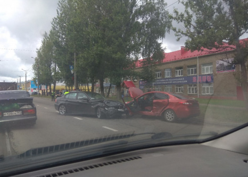 Подробности серьёзной аварии на Шевченко в Смоленске. Госпитализирован водитель