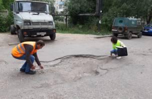 Активисты настаивают на ремонте дорог к медучреждениям Смоленска