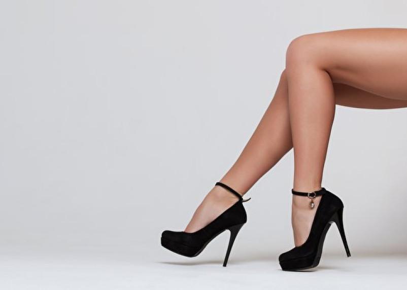 Врач назвал виды обуви, которые могут навредить ногам
