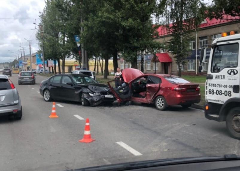 Перед всмятку. На Шевченко в Смоленске произошло жесткое ДТП
