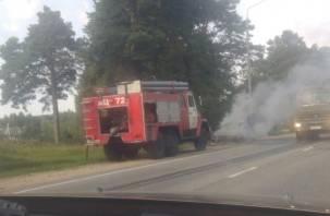 В Смоленском районе сегодня утром загорелась иномарка