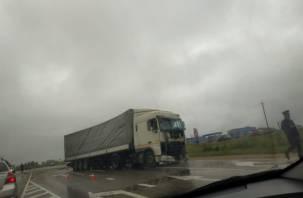 Видео и фото ДТП фуры с автобусом в Смоленской области попали в Сеть. Пострадали 16 человек