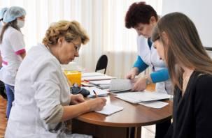 Будут подвозить к поликлиникам. Медведев призвал сделать диспансеризацию удобной для людей