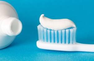 Названы причины выпадения зубов после COVID-19