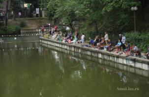Сегодня в центре Смоленска рыбаки сразятся на удочках