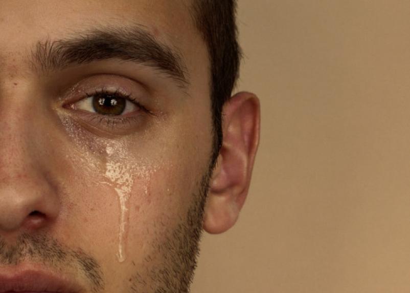 Ученые рассказали, как слезы помогают избавляться от лишних килограммов