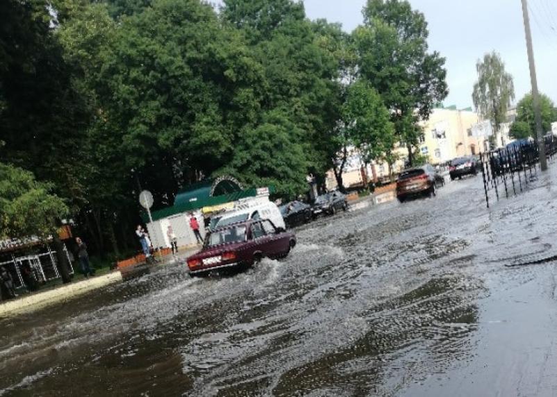 «Венеция» в Смоленской области. Жители Рославля «плавали» по центру города