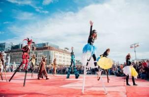 Смоляне принимают участие в международном фестивале уличных театров