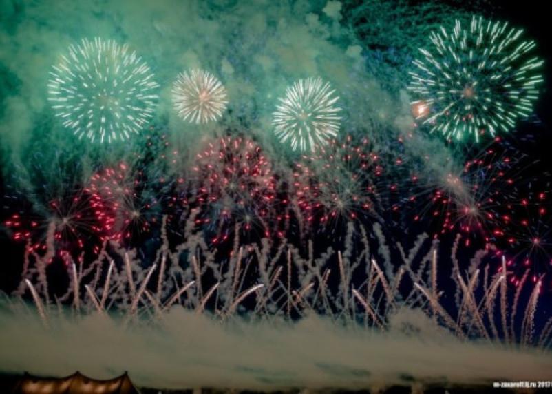 В Сети появилось видео с фестиваля фейерверков «Звездопад»