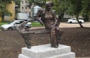 Памятник Фаине Раневской установили в Петербурге