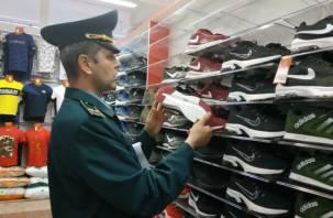 Nike, Reebok, Adidas. Подделки под видом дорогих брендов продавали смолянам