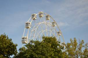 Стало известно, почему не работает колесо обозрения в Смоленске