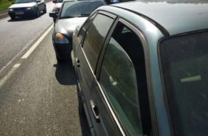 В Смоленске на Рославльском шоссе произошло тройное ДТП